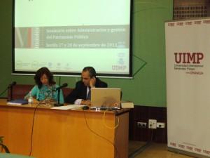 En la fotografía, la Directora de la jornada Encarna Montoya y el profesor, Francisco Mestre